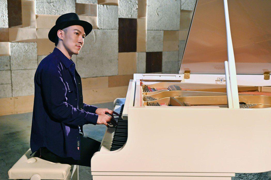 魚丁糸龔鈺祺(阿龔)去年推出首張專輯,為新歌拍攝MV先為「雙手」作體操訓練。圖/