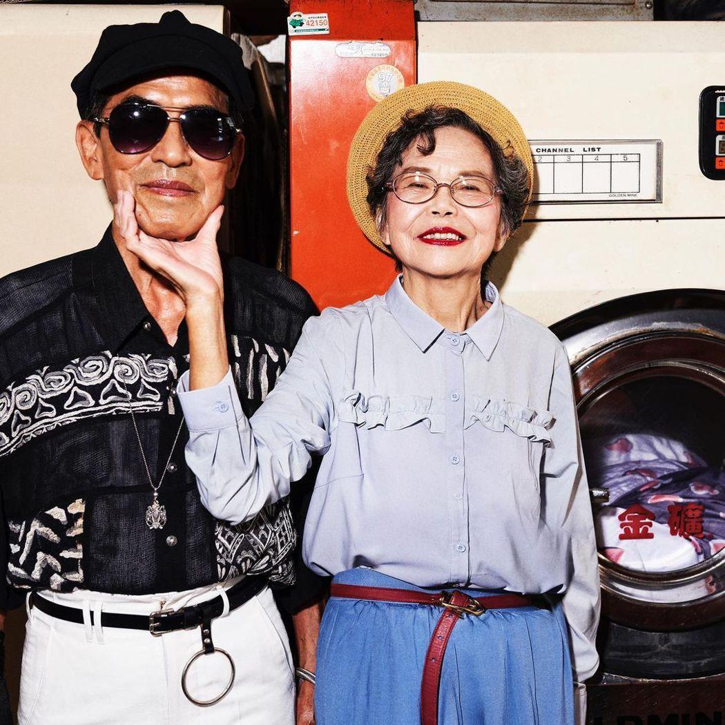 萬吉與秀娥,被孫子張瑞夫改變造型後,兩人質樸又可愛的模樣,吸引超過65萬粉絲追蹤...