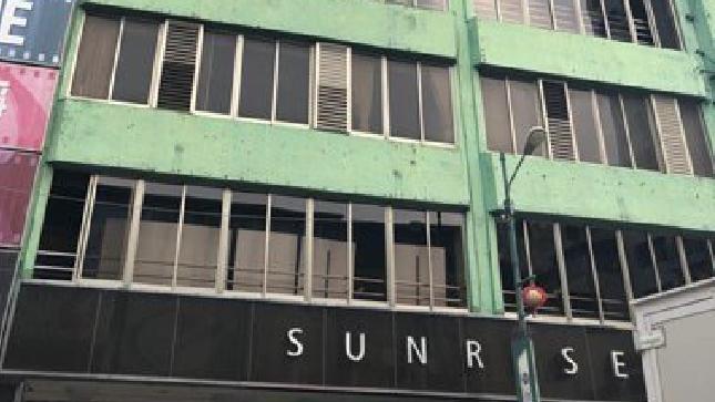 台中市「日日新影城」建於1958年,至今已有63年,大樓整建維護前外觀老舊。圖/...
