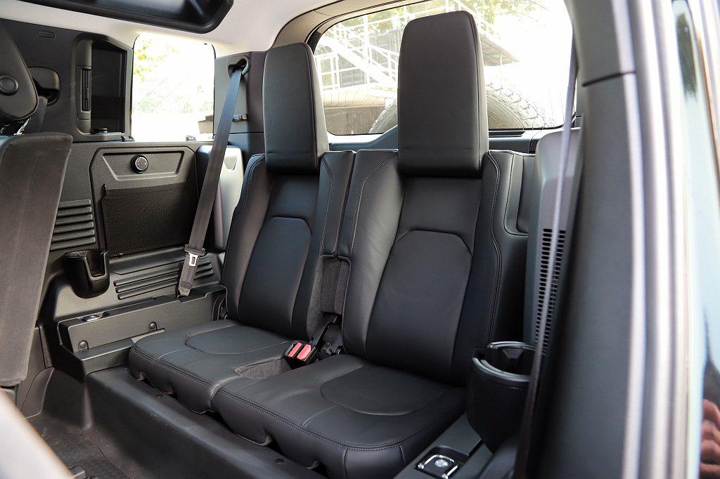 由於車體較為方正,若選配第三排座椅後排乘客的頭部也不顯侷促。 記者張振群/攝影