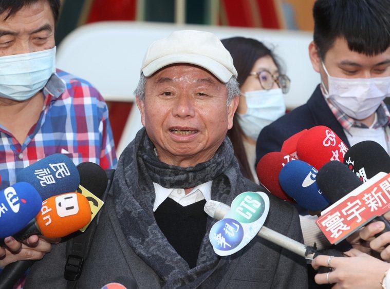 前衛生署長楊志良認為該名醫師警覺心不高,未依照SOP行事,上政論節目時說,若他是...