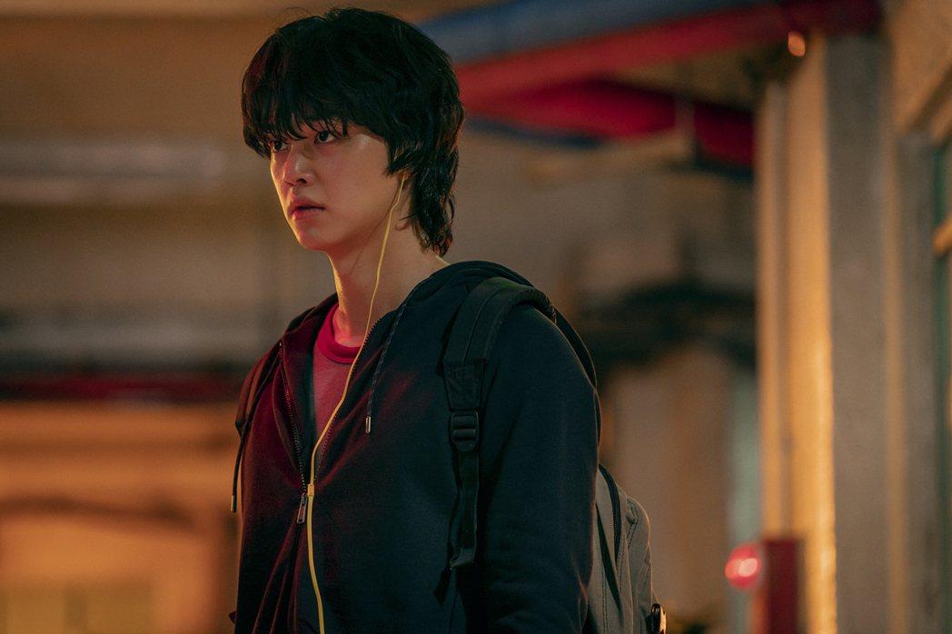由漫畫改編拍攝的《甜美家園 Sweet Home》證明韓國的影視工作者有能力開大...