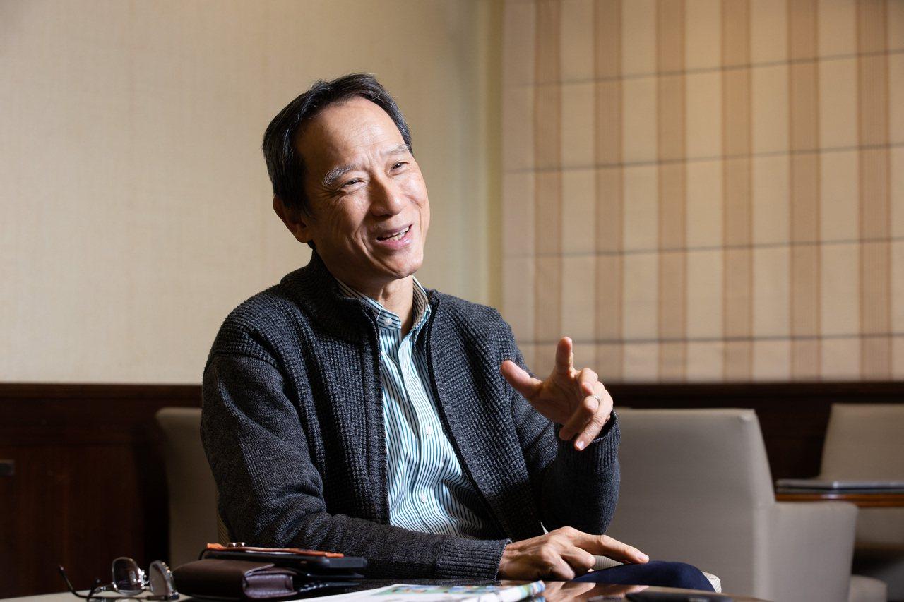 台大教授李吉仁卸下教職退休後,轉身投入偏鄉教育。記者季相儒/攝影