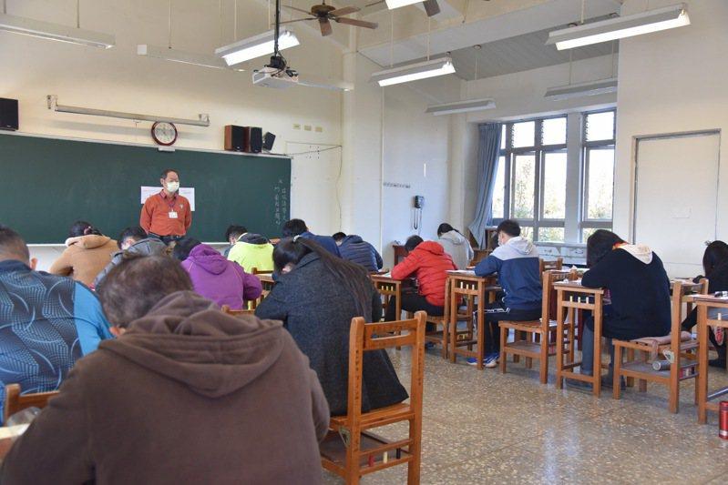 南投縣國中小學校長、主任甄選今明兩天在埔里國中舉辦,共有38人報考。圖/南投縣政府提供