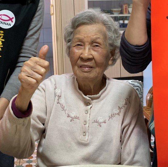 扁媽陳李慎給鄉親印象是平易近人,兒子當總統後對人更親切。本報資料照片/記者吳淑玲/攝影