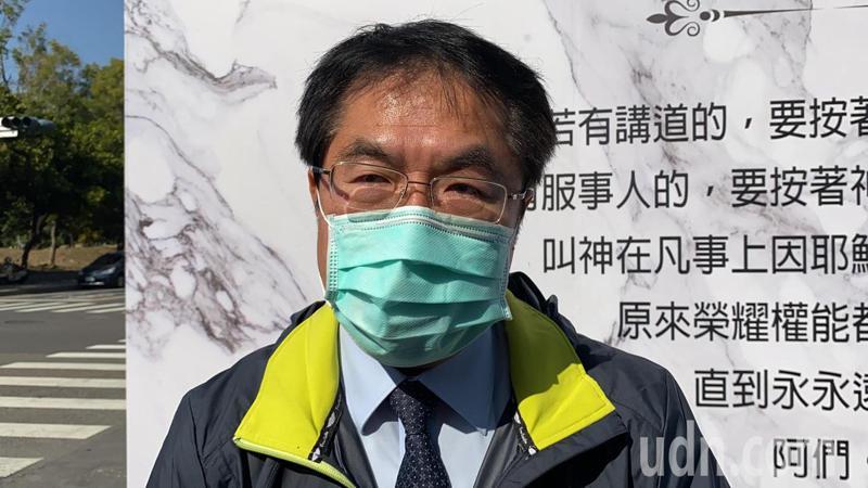 台南市長黃偉哲不捨前總統陳水扁母親辭世。記者鄭維真/攝影