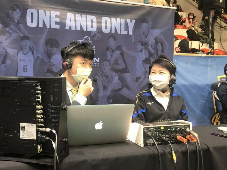 台中市長盧秀燕(右)現身企排比賽現場力挺台中長力男排隊。圖/台中市政府運動局提供