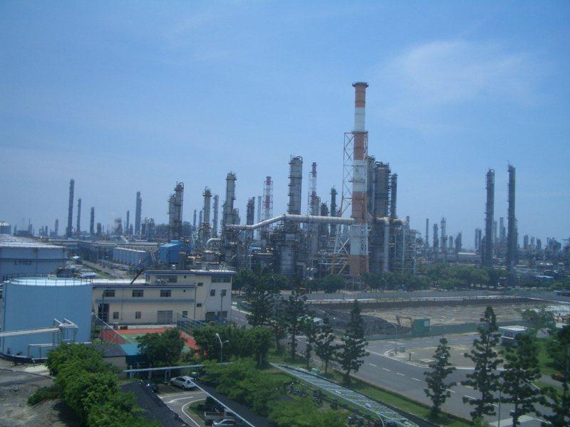 中油將啟動四輕更新,計劃投資823億元,採先建後拆方式,打造一座年產100萬公噸乙烯的輕裂廠。(本報系資料庫)