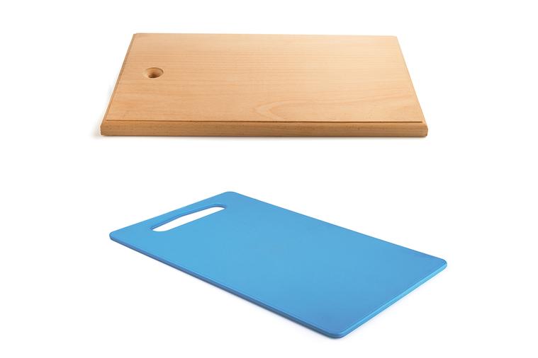 明智的主廚會使用木砧板或塑膠砧板。但哪一個才是最佳選擇呢?對於哪種砧板最實用、最...