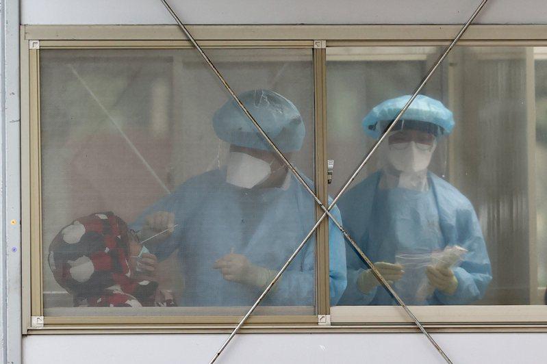 桃園某醫院發生醫護染疫事件,已有兩名醫師、兩名護理師感染。聯合報系資料照片/記者葉信菉攝影