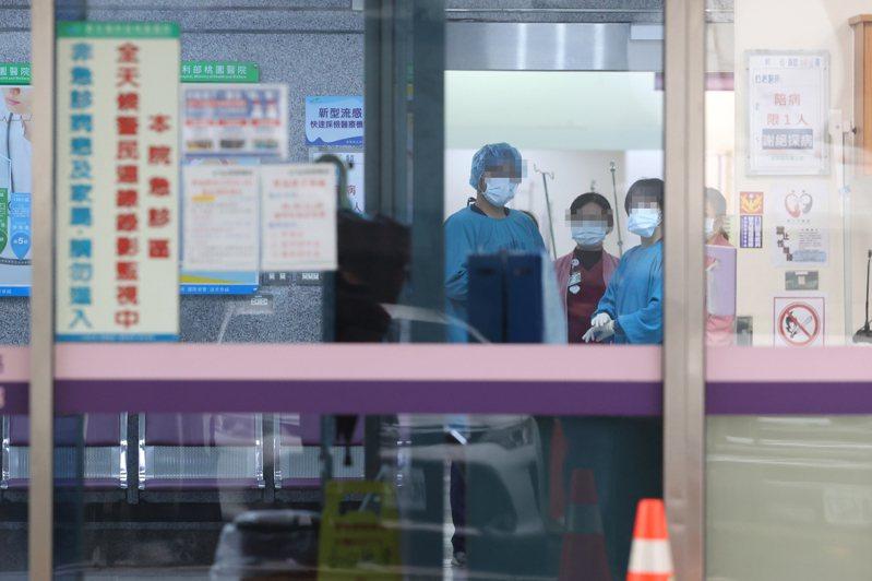 北部某醫院已將個案上班之病房關閉及進行全面環境消毒,病房內病人則安排一人一室進行隔離,同時該醫院住院病人將持續實施只出不進,以減少風險。聯合報系資料照片/記者葉信菉攝影