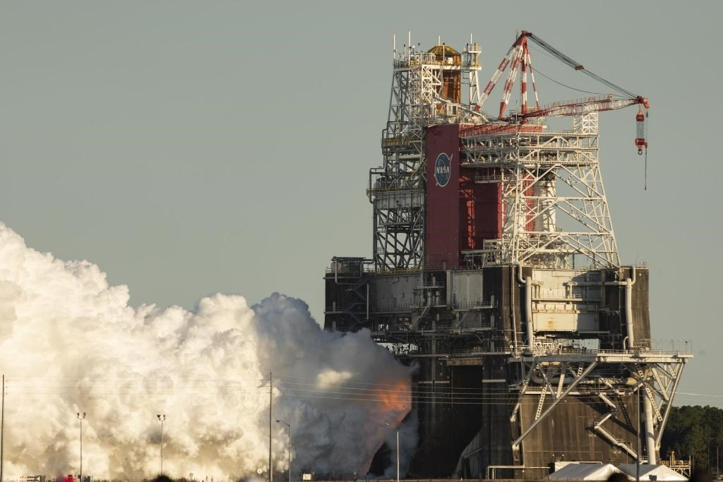 NASA探月計畫遇挫 巨型火箭測試失敗草草結束