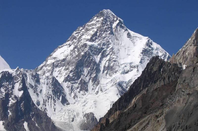 冬季攻頂殺人峰 尼泊爾登山隊完成不可能任務