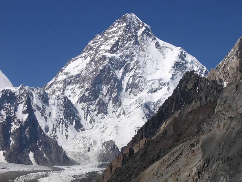 尼泊爾10人登山隊寫下艱難的歷史,在冬季攻頂有殺人峰惡名的K2成功。(photo from Wikimedia)