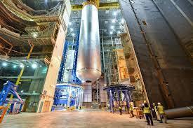 美國NASA的2024登月計劃的一大關鍵,17日測試超級太空火箭發射系統SLS的引擎。(photo from Wikimedia)