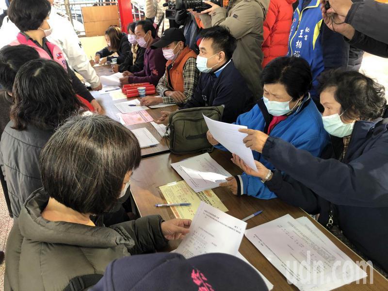 國民黨發起「反萊豬丶要公投丶護食安」連署。記者陳家秋雲/攝影