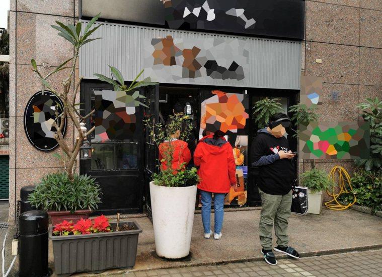 桃園市一家西餐廳傳出拒醫護進店消費引發批評,業者在臉書和公開道歉,PO文護理表示...