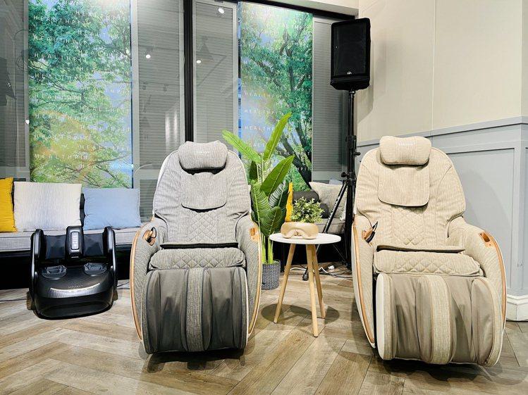 mini玩美椅pro新推出採用「類貓抓皮」高科技皮革的灰色、米色2色,具有耐磨、...