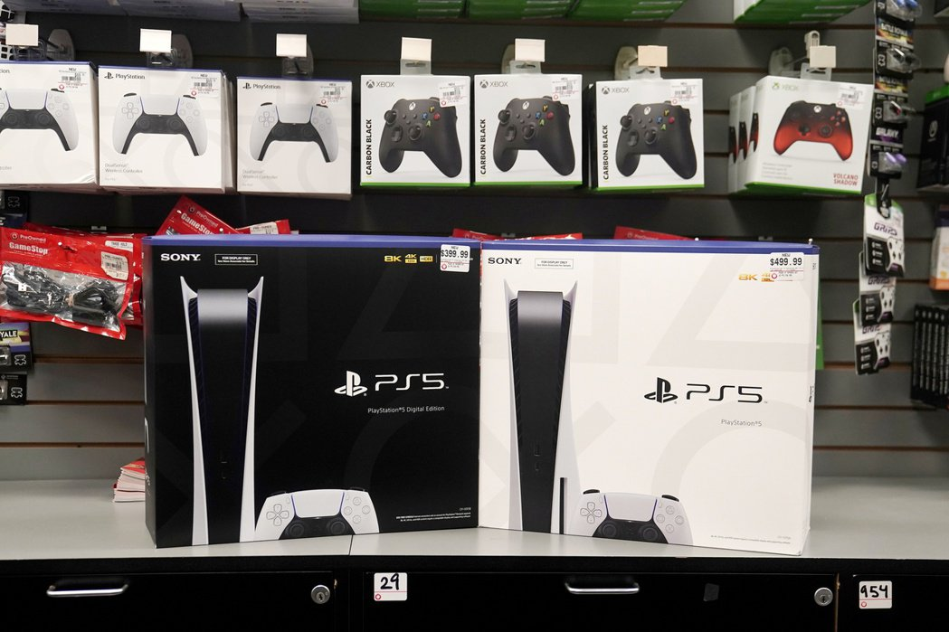 Sony優先供應PS5到美國等海外市場,讓買不到主機的日本國內玩家感到不公平。路...
