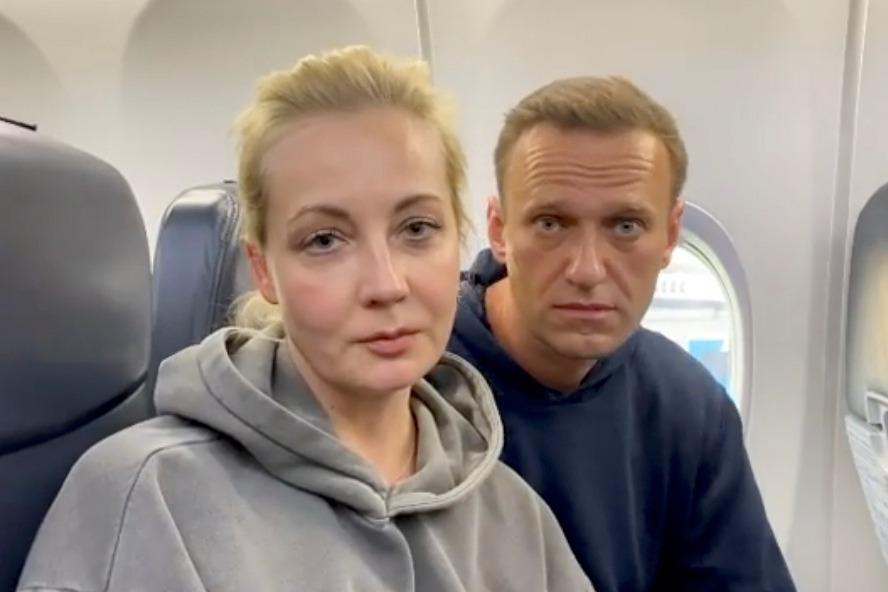 不怕再被下毒 俄反對派領袖搭「勝利航空」回莫斯科
