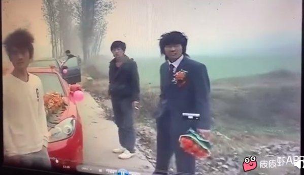 網友熱烈討論林俊傑(右)的早期婚禮影片。圖/摘自IG