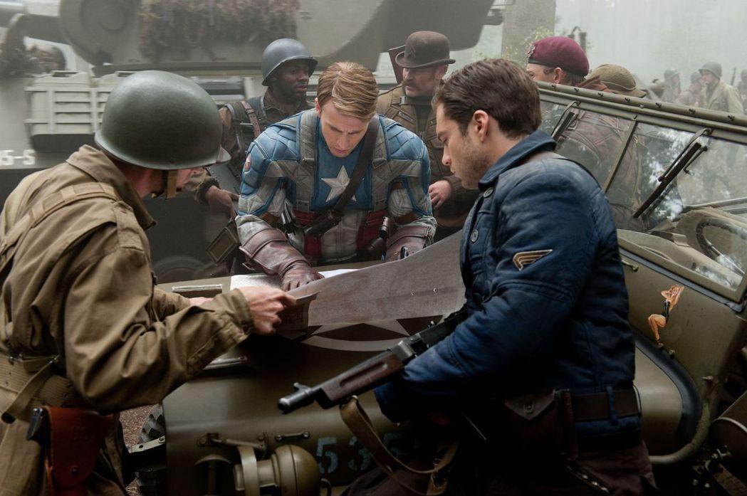 英雄一定要遭遇挫敗才能升級,這是美國英雄電影的公式,卻也是美國海軍在冷戰時代的真...