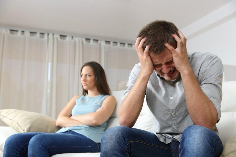 美國男子看到未婚妻跟前男友過往拍的性愛影片,內心產生陰影。圖/取自:ingimage(示意圖,非當事人)