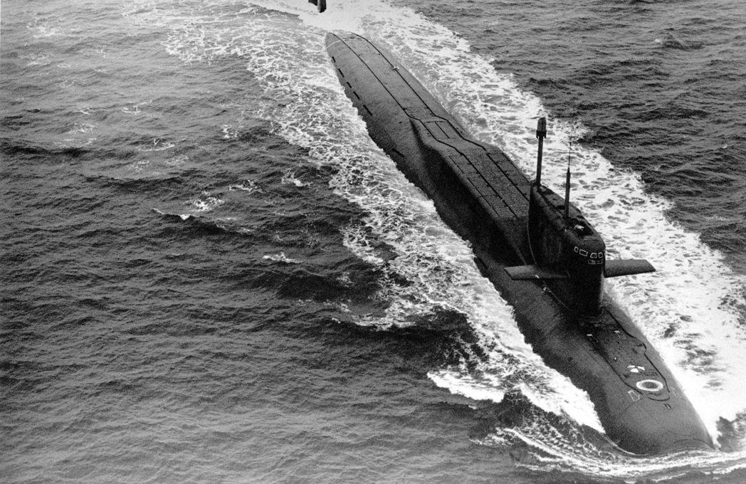 北約海軍原本把GIUK當成「對蘇防線」,但此一讓步也讓蘇聯海軍擁有北極海域活動的...