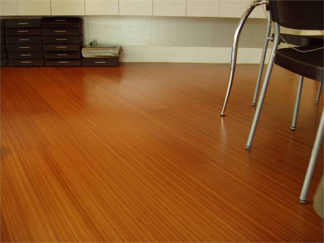 碳化竹地板。 互若亞/提供