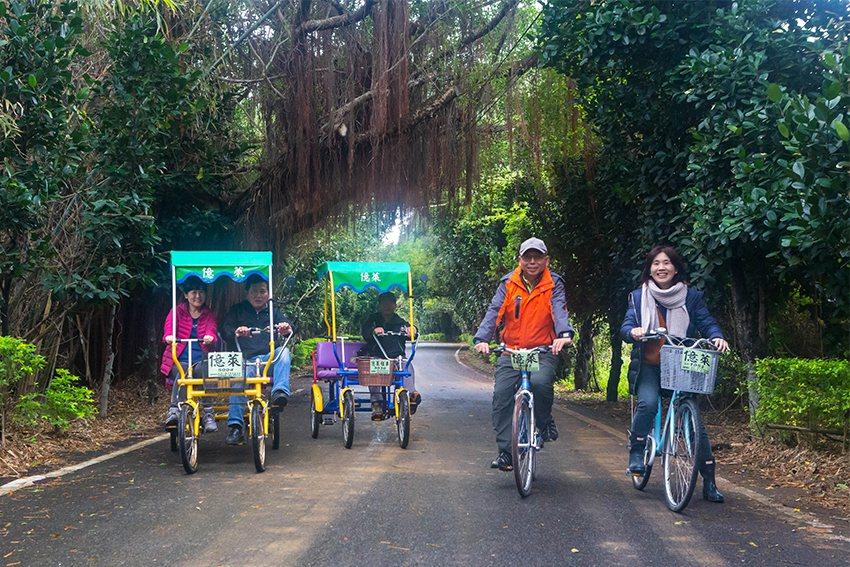幾公里長的綠色車道,是國內有數極漂亮的腳踏車道。 中華大學/提供