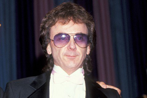 美國當局今天表示,傳奇音樂製作人史派克特染疫逝世,享壽81歲,但正式死因仍待驗屍官斷定。他以名為「音牆」的製作技術,革新1960年代流行音樂,但在2009年因謀殺入獄。美國當局及媒體報導指出,史派克...