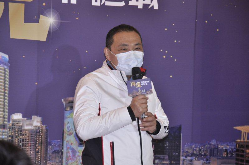 新北市長侯友宜希望外界對醫護人員多給予鼓勵。記者張哲郢/攝影