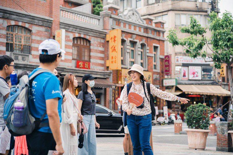 來投票就有機會獲得台北市深度體驗遊程抵用券。 圖/北市觀傳局提供