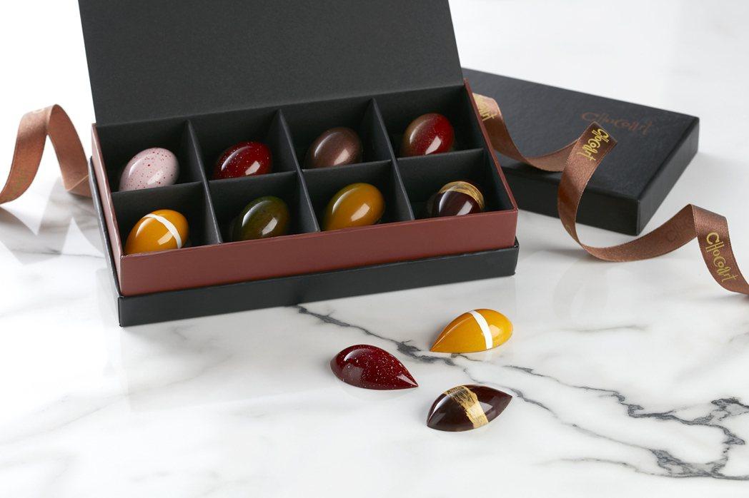 台北寒舍艾美酒店搶攻西洋情人節商機,推出冬甜獻愛情人節禮盒。業者提供