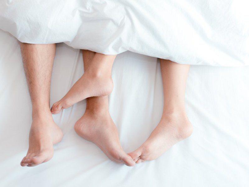 專家分析換妻族心態,單男、單女參與換妻活動大多好奇或追求刺激,夫妻、情侶檔參加的心態比較複雜。示意圖/ingimage