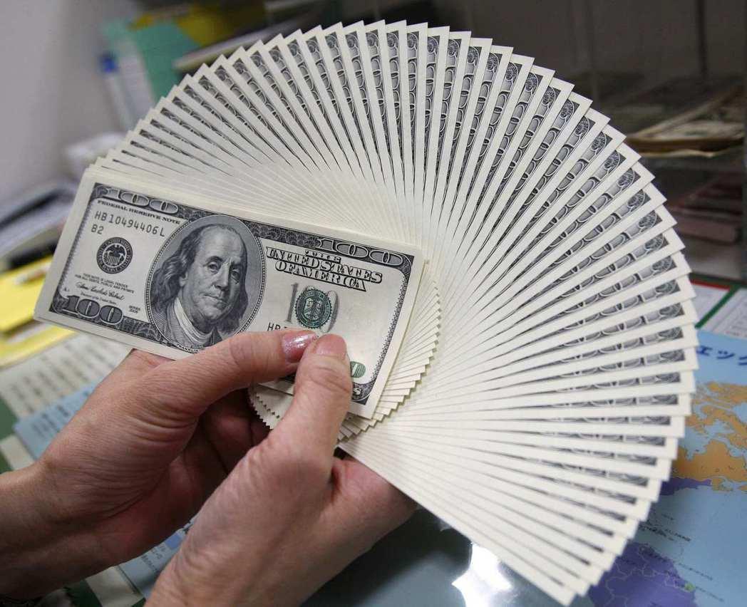 亞洲地區在今年前兩周發行總計逾450億美元的美元債券,逼近去年元月總額的四分之三...
