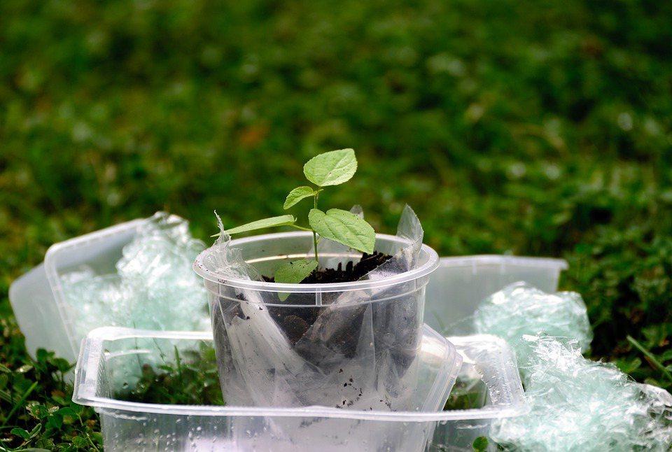 塑膠垃圾造成的汙染問題,對全球民眾和政府都很有感。過去10年,在各種聯合國會議與...