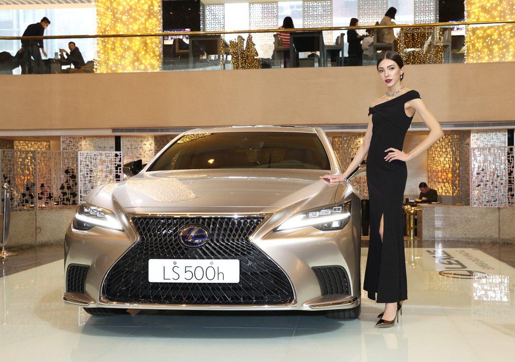 Lexus LS 500h。 記者林澔一/攝影