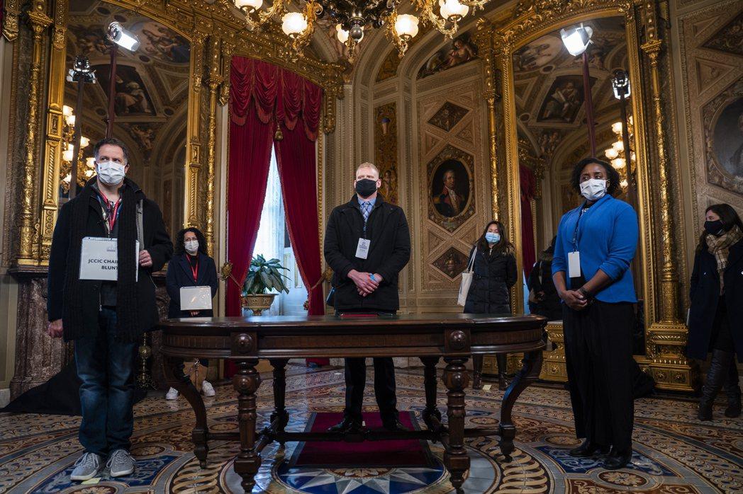 拜登的替身在國會大廈彩排就職典禮。 圖/歐新社