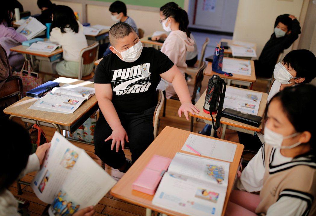 對小學生來說,這樣的訓練是否太過嚴格?但熊谷爸爸似乎不認為這些超齡鍛鍊是對小學生...
