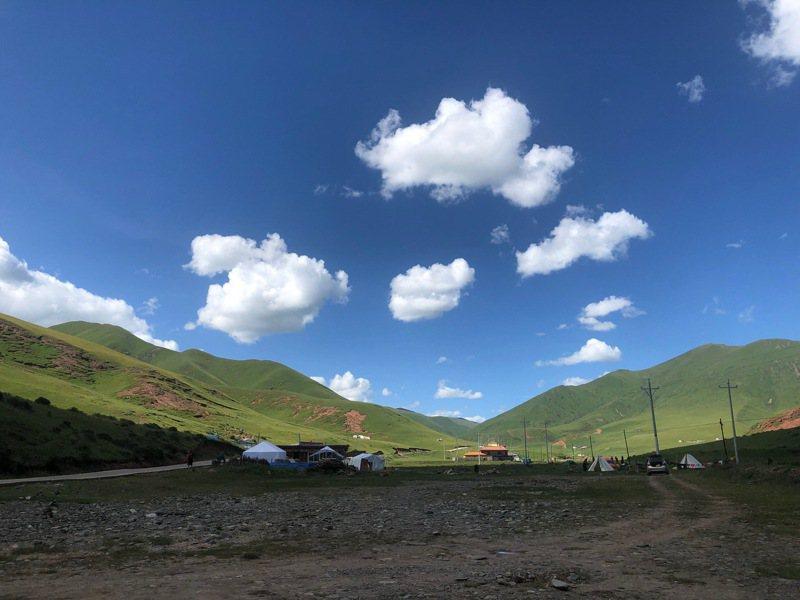 高海拔的登山風景,令人著迷。