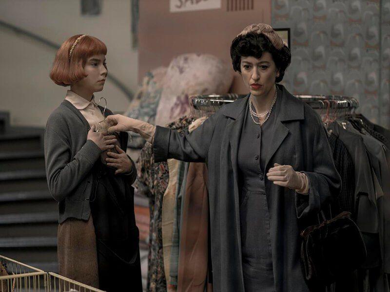 「后翼棄兵」沒血緣關係母女一起得到美國廣電影評人協會大獎提名。圖/摘自imdb