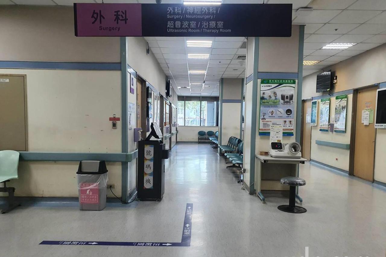 部桃醫院2組未接觸醫護扛照護 10多醫師堅守照顧200多病患
