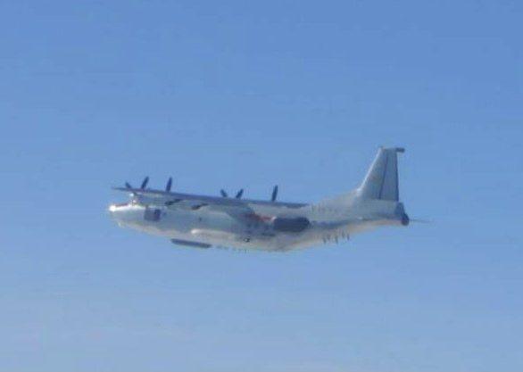 空軍司令部發布共機動態,共軍運-8電偵機(如圖,同型機)運-8遠干機各一架次,今(19日)天陸續侵入我西南防空識別區(ADIZ)。圖:國防部
