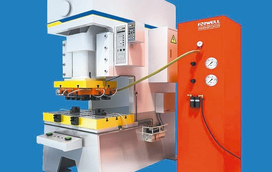 富偉推出印刷電路板沖孔油壓脫料系統。富偉公司/提供