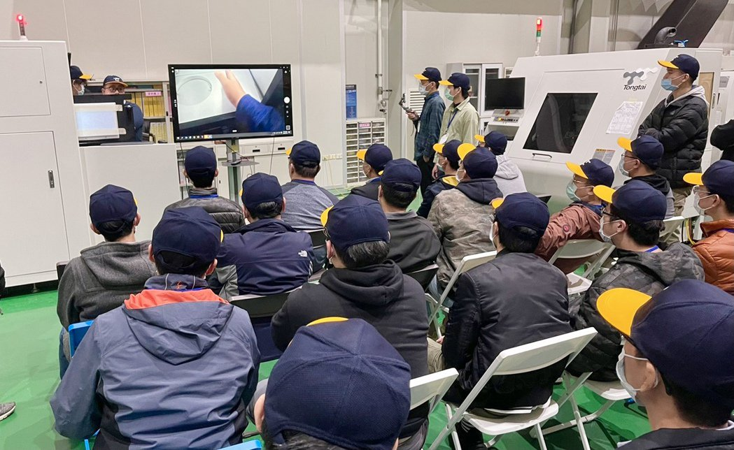 訓練規劃包含積層製造原理、設備功能介紹與操作、軟體介紹等。東台提供