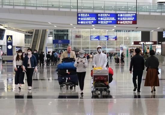 香港政府將禁止曾於巴西、愛爾蘭逗留逾2小時的人士登機赴港。(圖/取自新浪網)