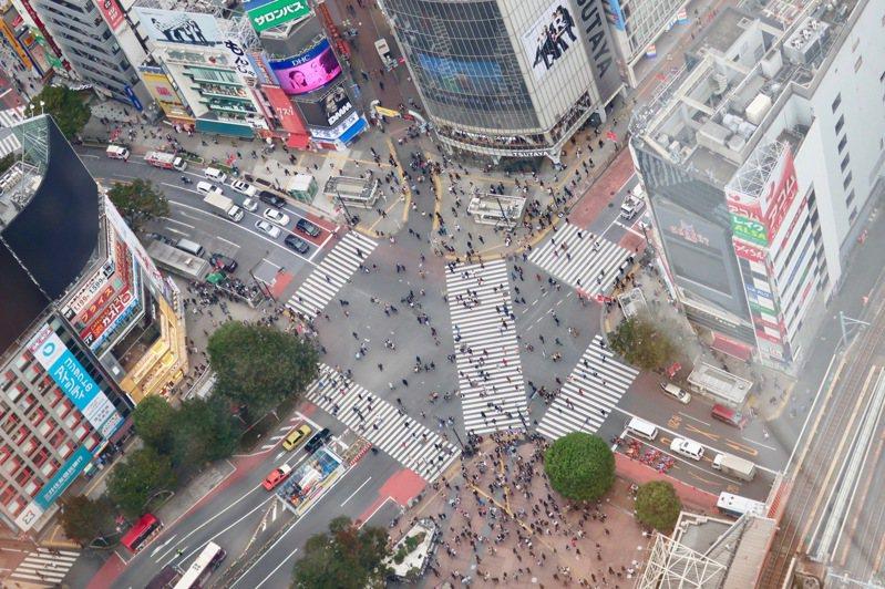 澀谷站前交叉口被譽為「世界最著名路口」之一。圖/張維中提供
