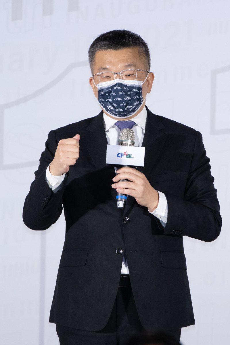立法院副院長蔡其昌昨天接任第十一屆中華職棒聯盟會長。記者季相儒/攝影