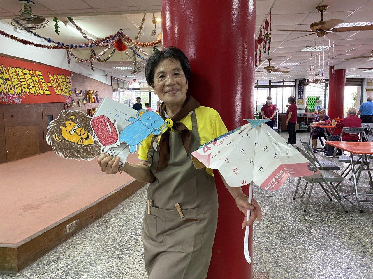 畢嘉士繪本行動員曾敏,76歲的她是國小退休老師。  圖/劉星君 攝影